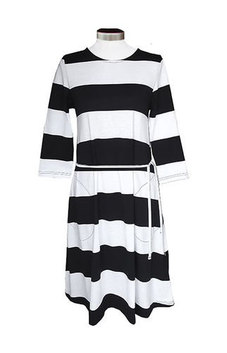 Tricot dress with pockets, black/ white