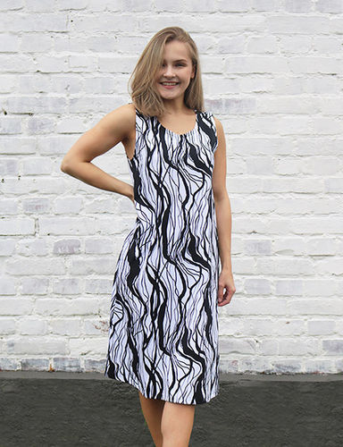 Sleeveless tricot dress/ night gown, black/ white